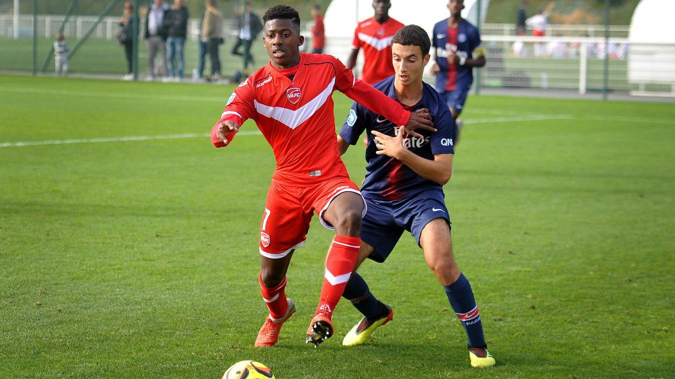 Yahya Diallo signe à l'Us Chantilly